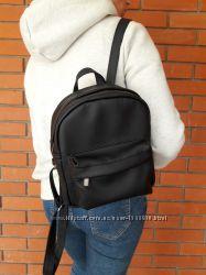 ccedbccf7a3 Удобный женский рюкзак чёрный для прогулок