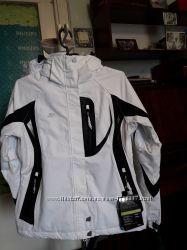Высококачественная лыжная женская куртка от британской фирмы Trespass.