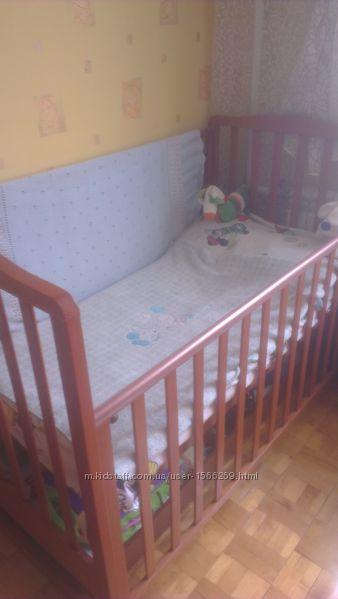 Кроватка в отличном состоянии, Италия, защита в подарок