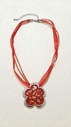 Украшение на шею красная подвеска кулон серебрянный чокер бижутерия металл
