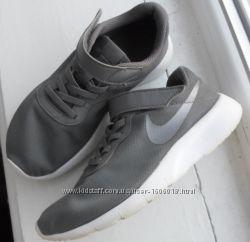 Дитячі кросівки Nike 844872-004  NIKE Tanjun оригінал.
