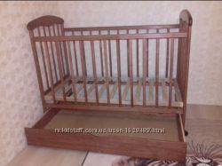 Продам детскую кроватку Наталка в комплекте с матрасом
