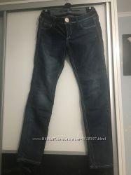 Фирменные джинсы Guess. S