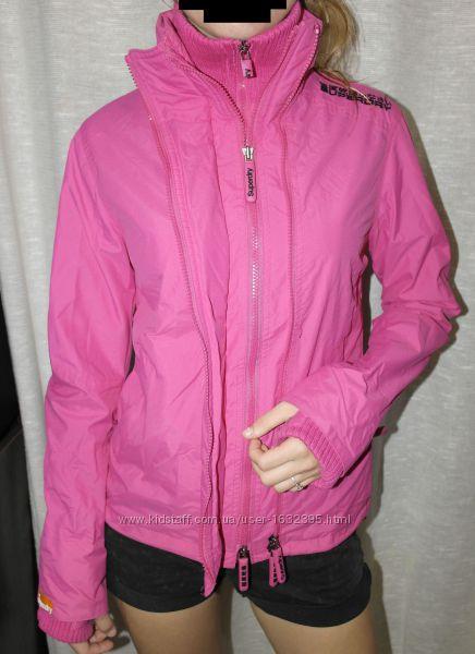 отличная Superdry курточка ветровка розовая яркая