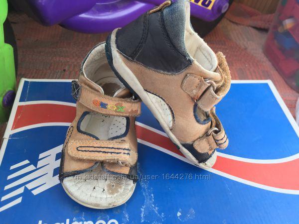 Продам босоножки, сандали на мальчика, девочку GEOX, 24 р. 15см