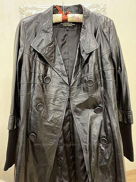 Удлиненная кожаная куртка С-М размер