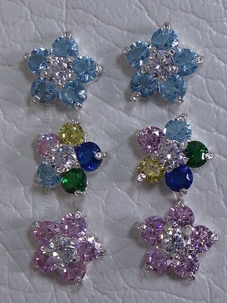 Серебряные серьги-гвоздики с цветным цирконием