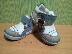 &nbspНовые кожаные туфельки ботиночки 18 размера
