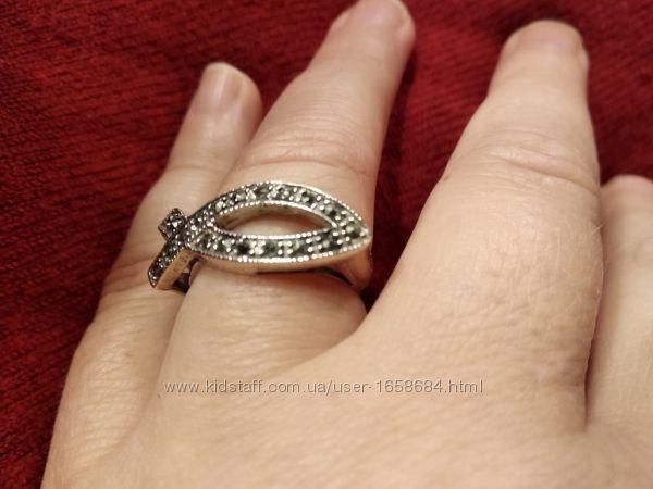 Серебрянный женский перстень 18, 5