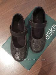 Кожаные туфли Braska на девочку 6-7 лет. Размер 33.