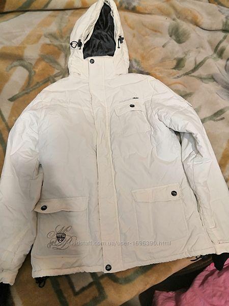 Продам зимнюю куртку женскую на синтипоне
