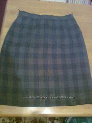 Зеленая юбка в клетку на подкладке со шлицей. Украина