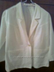 Красивый белый пиджак натурального качества. Чехия. Новый