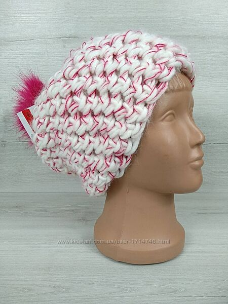 Зимова вязана тепла шапка від c&a на флисе