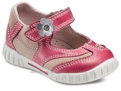 Туфлі для ваших дівчаток Ессо, Geox, Clarks, Primigi