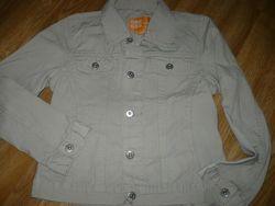 Пиджак котоновый на мальчика бежевый цвет 140р.