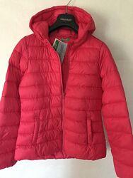 Стильна  і тепла  куртка деми Benetton. Італія