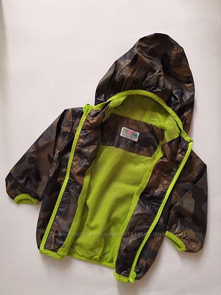 Курточка - ветровка бренда prenatal на малыша 3 - 6 мес. , рост 62 см