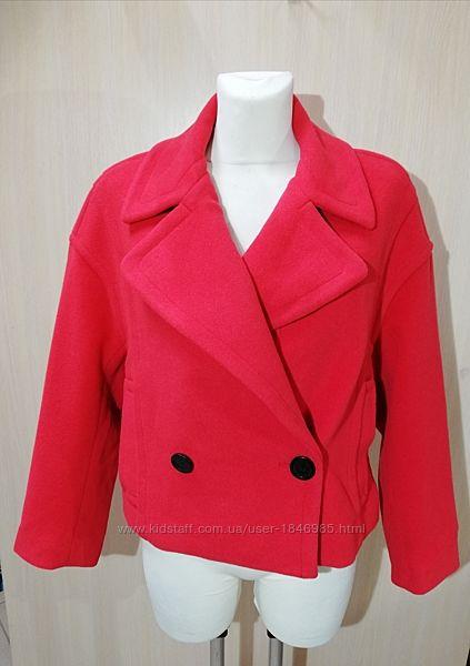 Красное пальтишко размер М