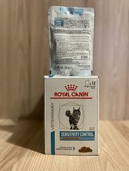 Royal Canin Sensitivity Control зі шматочками курки та рису