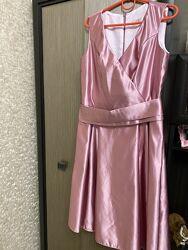Нарядное платье из атласа