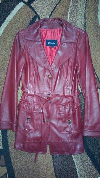 Кожанная бордовая куртка р.44