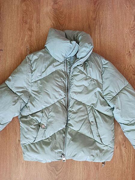 Мятная курточка Bershka