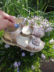 Босоножки, сандалии для девочки кожаные на липучках TM Matita 24-35р.