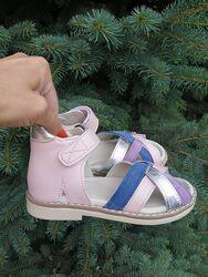 Босоножки для девочки кожаные на липучке ТМ Matita 24-35р.