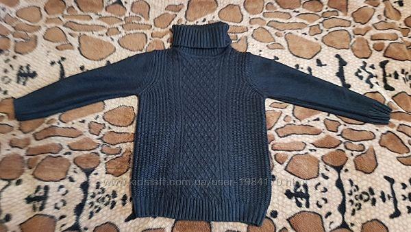 Теплый свитер под горлышко