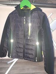 Курточка  софтшел 140 р на мальчика