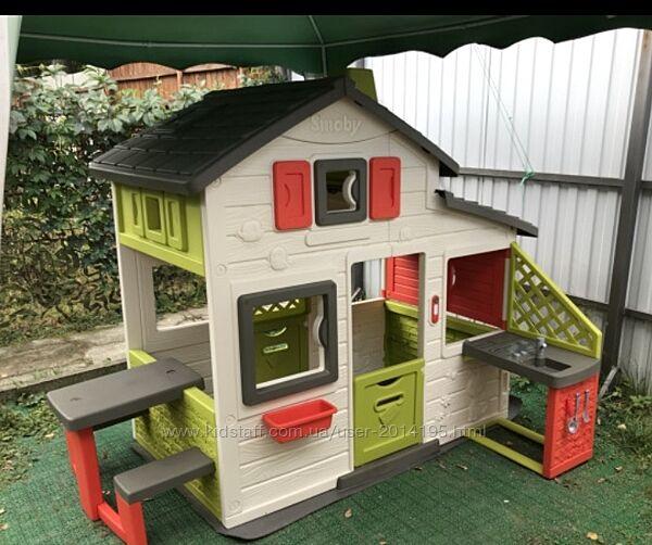 Большой дом Smoby с летней кухней и столиком с лавочками