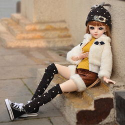 Шарнирная кукла Rebecca Doris