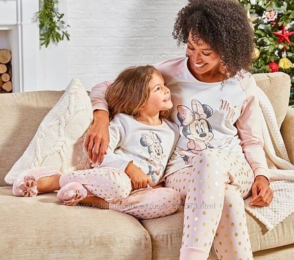 Пижама Disney на женщину и девочку размер S и 146
